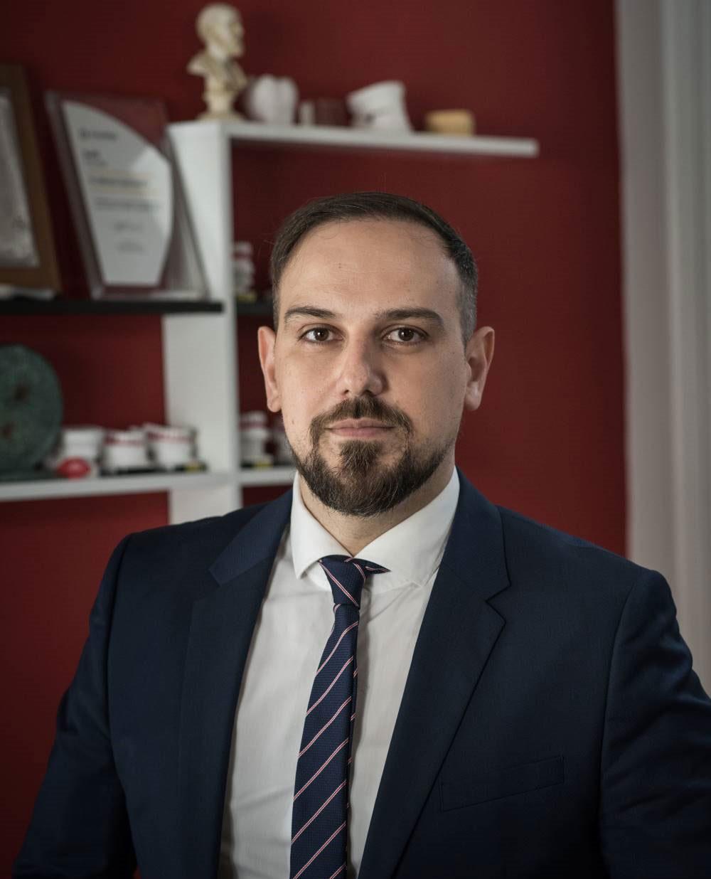 Νίκος Σπυρόπουλος ορθοδοντικός Πύργος Ηλείας